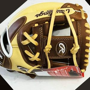 Rawlings Heart of the Hide 11.5inch for Sale in Fullerton, CA