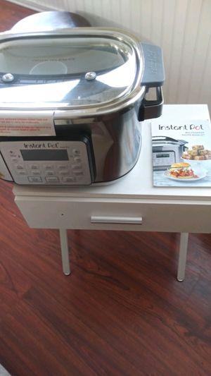 New Instant Pot Aura pro Multi Use Multi cooker for Sale in Manteca, CA