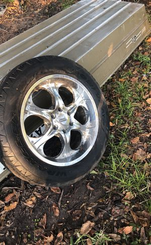 275 5520 Chevy Nissan wheels and tires for Sale in Moreauville, LA