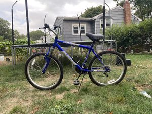 Magma Silver Canyon Mountain Bike (Blue) for Sale in Brockton, MA