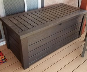 Plastic Deck Storage Container Box Outdoor Patio Garden Furniture 150 Gal, Brown for Sale in Greenville, SC