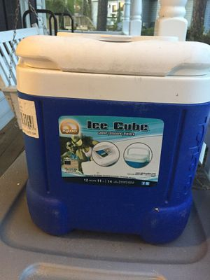 Small cooler for Sale in Henrico, VA