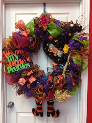 Extra large Halloween wreath with lights for Sale in San Antonio, TX