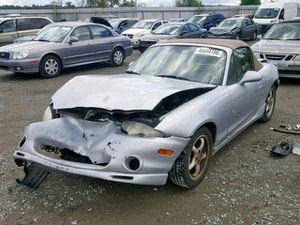 2000 Mazda miata (PARTS ONLY) for Sale in Enumclaw, WA