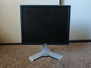 Dell 19inch Monitor with tilt, height adjust, rotate, and swivel for Sale in Vista, CA