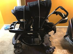 Graco Ready 2 Grow double stroller for Sale in Seattle, WA