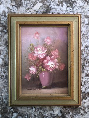 """9""""X7"""" Framed Oil Painting with Roses in Vase for Sale in North Royalton, OH"""