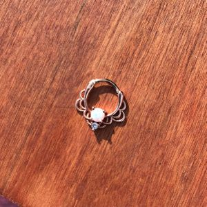 White Opal/diamond Princess Clicker Earring for Sale in Inglewood, CA