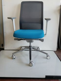 "High Quality! ""AMQ"" Office Chair for Sale for Sale in Portland,  OR"