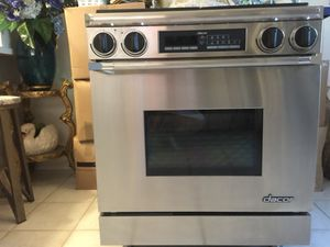 Dacor very expensive stove gas and electric 220. Like new perfect condition for Sale for sale  Yonkers, NY