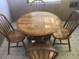Breakfast Nook Table And Chairs for Sale in Alhambra,  CA