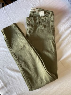 Hollister women jeans for Sale in Hawthorne, CA