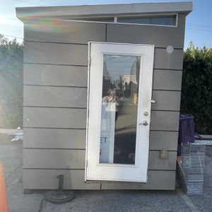 Shed / Backyard Office / Valet Station for Sale in Los Angeles, CA