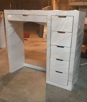 Vanity desk for Sale in Phoenix, AZ