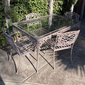 Aluminum Patio Dining Table Set 4 Chairs for Sale in San Diego, CA