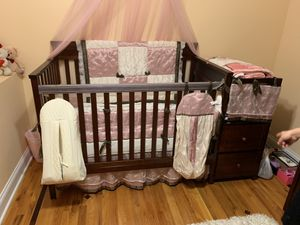 Crib with diaper change table for Sale in Justice, IL