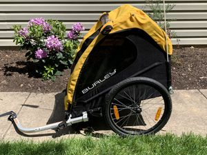 Burley Bee Kids Bike Trailer for Sale in Reisterstown, MD