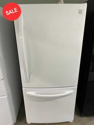 33 in. Wide Kenmore Refrigerator Fridge Bottom Freezer #1426 for Sale in Winter Garden, FL