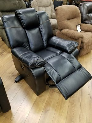 Black leather Power recliner for Sale in Pittsburgh, PA