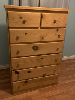 Dresser Heavy Wood for Sale in Mukilteo,  WA