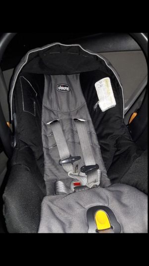 chicco car seat for Sale in Artesia, CA