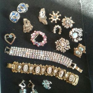 Vintage Authentic Jewerly for Sale in Modesto, CA