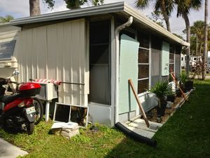 No age limit park. Only asking 2000 because it needs new floor in the trailer for Sale in Fort Myers, FL