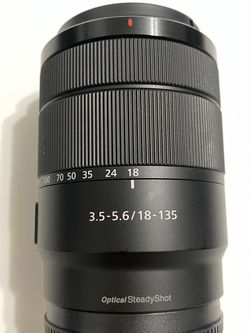 Sony 18-135mm Zoom Lens 18-135 OSS E Mount for Sale in Miami,  FL