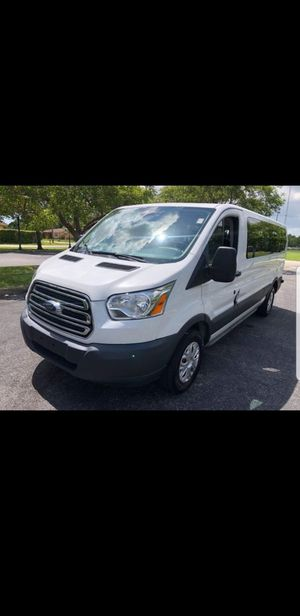 2017 Ford Transit t-350 for Sale in Miami, FL
