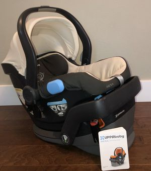 Uppababy MESA Infant Car Seat and Base for Sale in Kent, WA