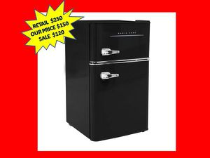 Magic Chef Retro 3.2 Cu. Ft. 2 Door Mini Fridge In Black NEW for Sale in Plantation, FL