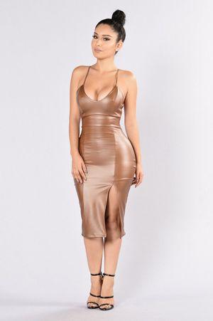 Fashion nova dress in brown for Sale in Elk Grove, CA