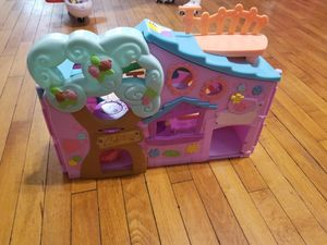 Doll house for Sale in Appleton, WI