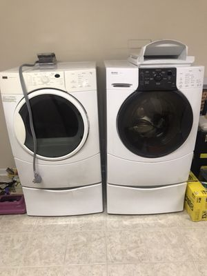 Kenmore front loading washer, Washer ONLY for Sale in Knoxville, TN