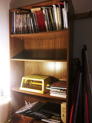 Good Bookshelf/ Solid for Sale in Smyrna, TN