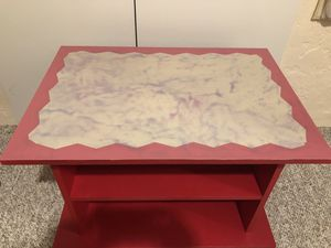 Small wood coffee table for Sale in Tucson, AZ