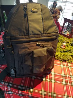 Lowepro slingshot 302 AW camera backpack for Sale in Antioch, CA
