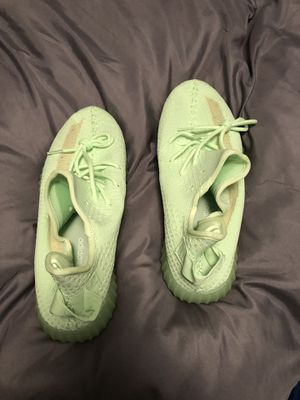 Men's Yeezy size 11 for Sale in Kansas City, MO