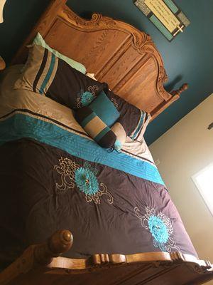 Solid oak bedroom California king size set from Art Van for Sale in Woodhaven, MI