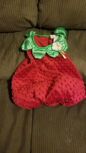 Baby Girl Strawberry Costume 6-9 Months $4 Obo for Sale in San Diego, CA