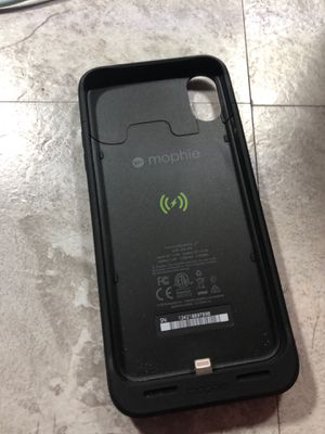iPhone 10 x X-r mophie battery pack case works great used for just a couple days for Sale in St. Peters, MO