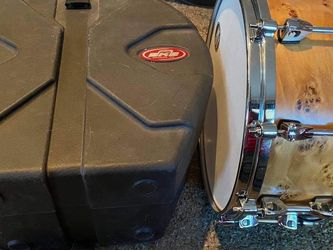 TAMA Snare Drum with SKB Hard Case for Sale in Spring Valley,  CA