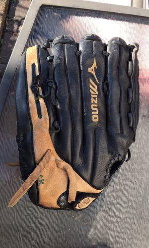 Mizuno GSP1401D Right Hans throw Baseball Glove 14 inches for Sale in Virginia Beach, VA