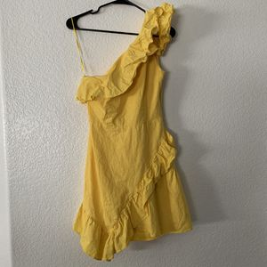 Yellow dress - women's clothing - size medium for Sale in Gilbert, AZ
