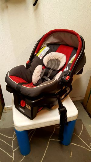 Graco click connect car seat with base for Sale in Austin, TX