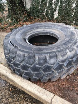 500lb Tire for Sale in Falls Church,  VA
