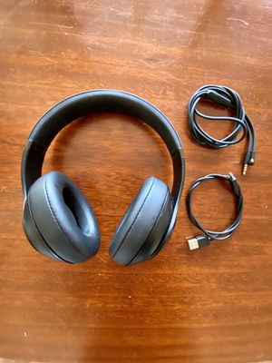 Beats Studio3 Wireless Over-Ear Headphones - Matte Black for Sale in San Diego, CA