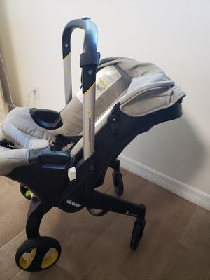 Donna Carseat Carriage including base for Sale in North Miami Beach, FL