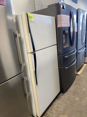 Hotpoint Refrigerator for Sale in Croydon, PA