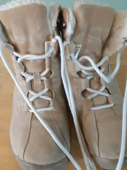Dr Scholl's Tan Suede Hikers for Sale in Rio Rancho,  NM